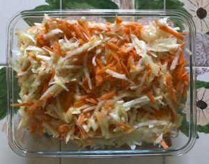 kolrahbi and carrot slaw